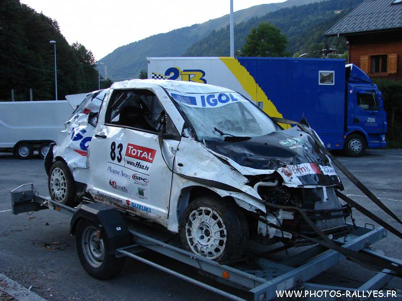 Grosse sortie d'une Swift au rallye du Mont-Blanc 2010